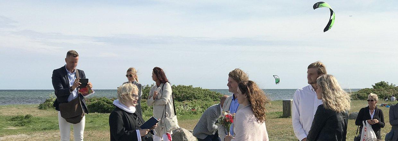 Traditionelt bryllup - eller skal I giftes på stranden?